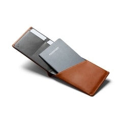 Bellroy Travel Wallet RFID - karamell